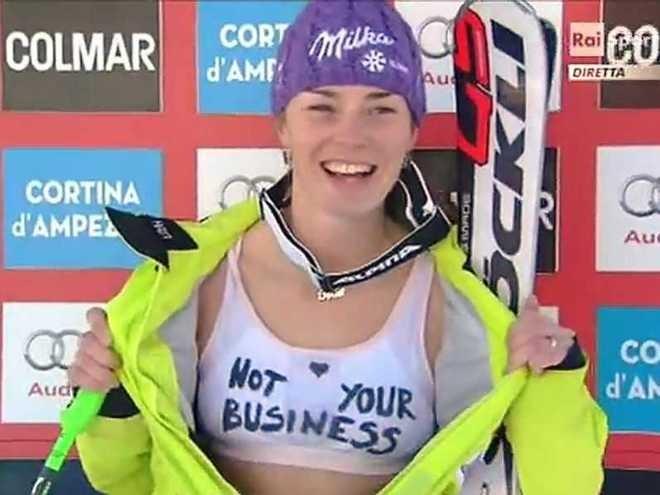 Tina Maze in nude look protesta alla Raz Degan - Not Your Business | Blog Sportivo - Pensieri di ...